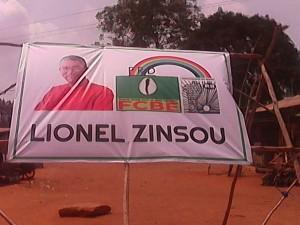 Affiche de Lionel Zinsou au carrefour Abogo à Missérété