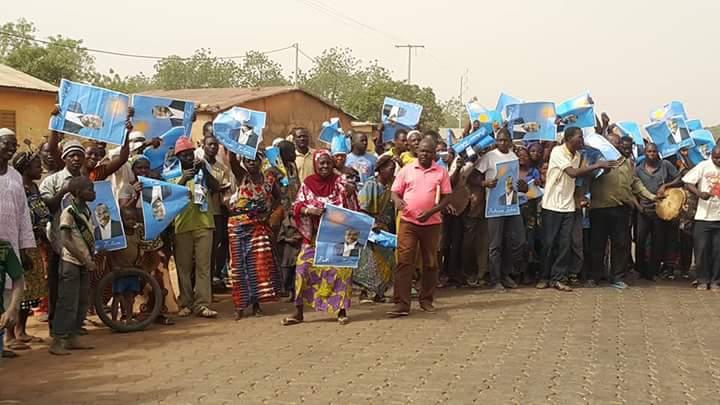 Populations attendant le candidat Patrice Talon