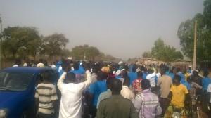 Populations attendant le candidat Ajavon Sebastien