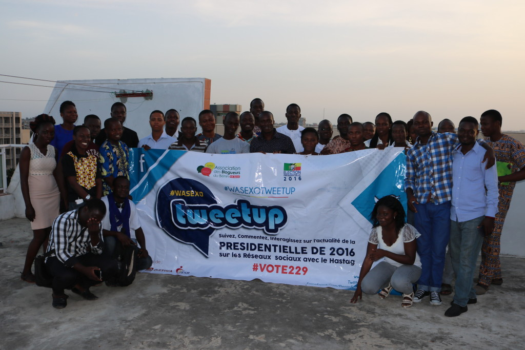 Photo de famille à l'issue du Tweetup du 7 mai 2016 à Cotonou. DR